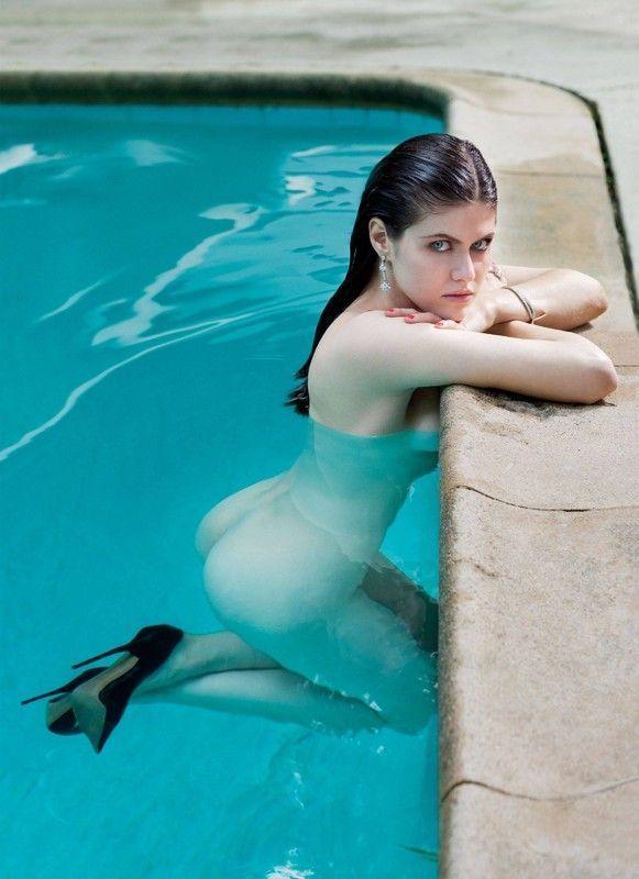 Alexandra Daddario toute nue