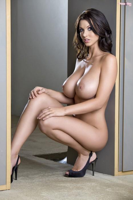 Belle femme gros sein