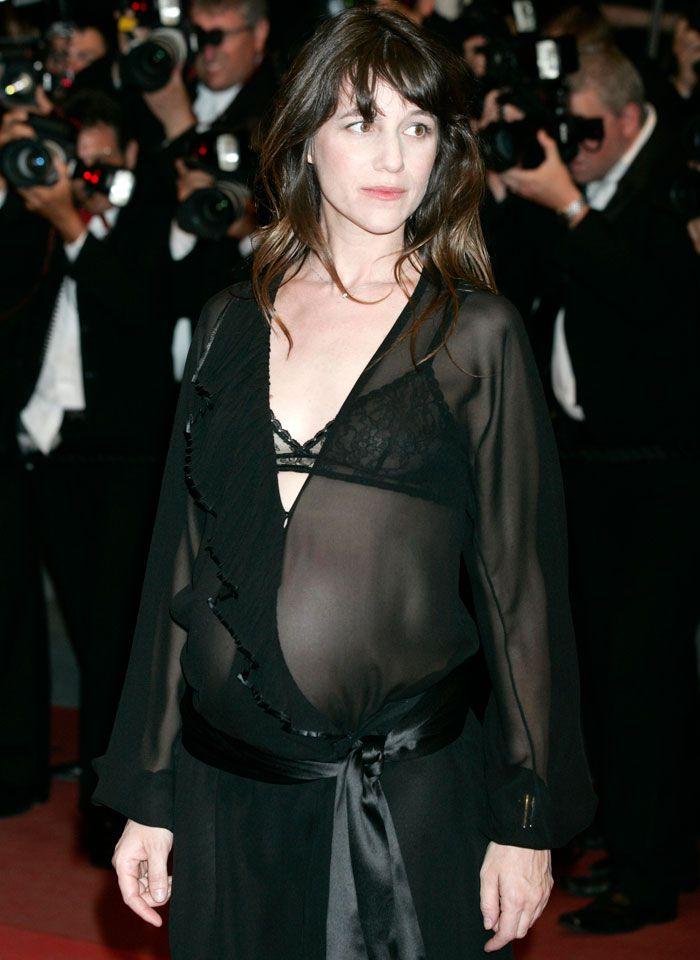Charlotte Gainsbourg nue lui