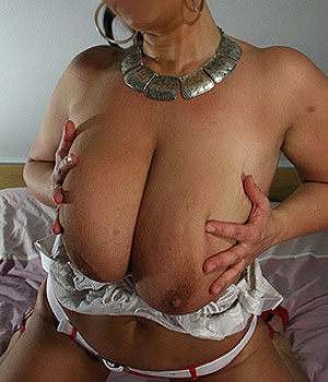 Femme 50 ans gros seins imagesize:960×640